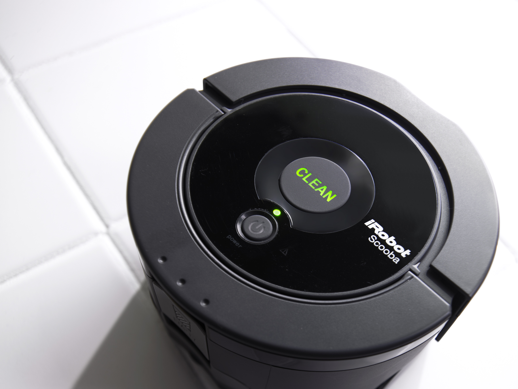 irobot announces the scooba 230 robot vacuum cleaner reviews. Black Bedroom Furniture Sets. Home Design Ideas