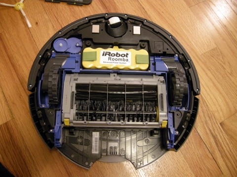 Bottom of the  Roomba with the cover off