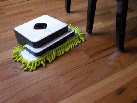 Mont Robot with Microfiber Mop Head Cover