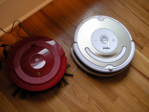 Comparing a Dirt Devil RoomMate to an iRobot Roomba